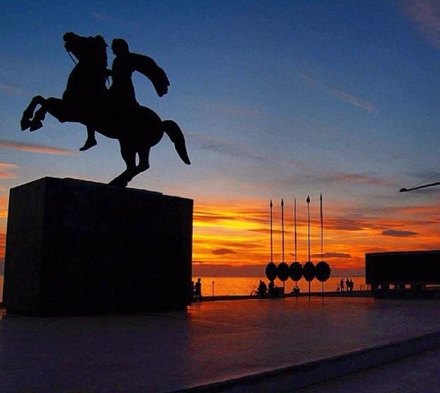 Aleksanteri Suuren ratsastajapatsas Thessalonikissa, Kreikassa. Valokuva: Bantonis.